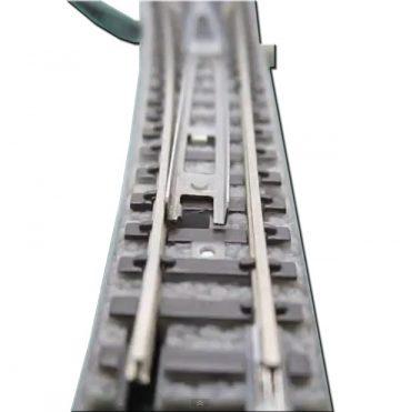 Weiche mit elektromagnetischem Antrieb, links, R490, 13°, 110mm <br/>Rokuhan 7297039 1