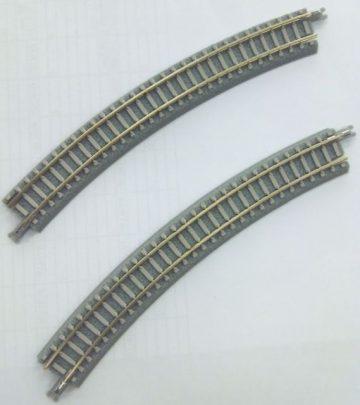 Gleis, gebogen, überhöht, R220, 30° <br/>Rokuhan 7297067 1