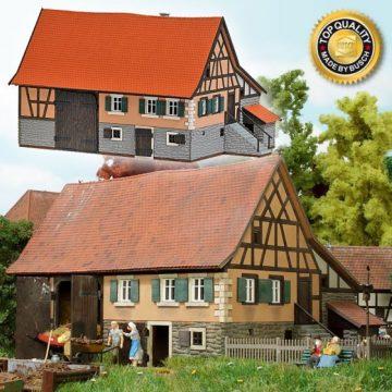 Kleinbauernhaus aus Schwarzenweiler <br/>BUSCH 8239 1