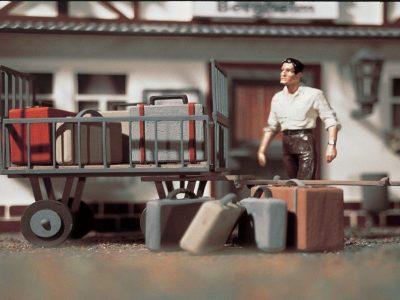 Gepäckwagen mit Gepäck <br/>Vollmer 41228