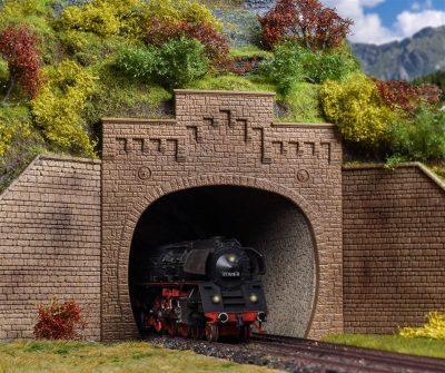 Tunnel-Portal, mit Aufsatz, <br/>Vollmer 42503