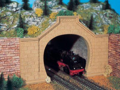 Tunnel-Portal, Rheintal, zwe <br/>Vollmer 42505