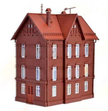 Eisenbahner-Wohnhaus mit F <br/>Vollmer 43806 2