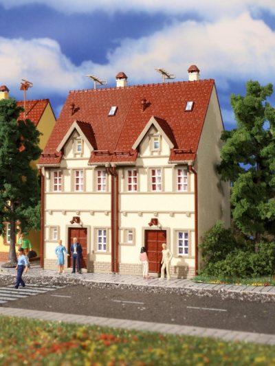 Reihen-Doppelhaus, beige <br/>Vollmer 43843
