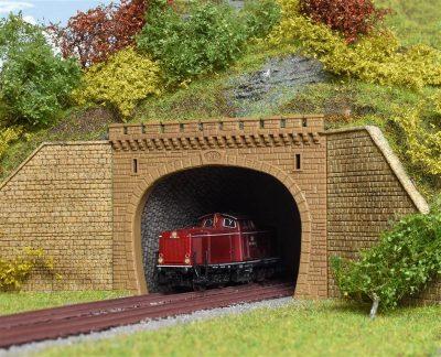 Tunnel-Portal, 2-gleisig <br/>Vollmer 47812