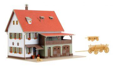 Vollmer 43721 <br/>Bauernhaus mit Scheune, Re 3