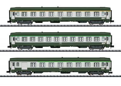 TRIX 15372 <br/>Schnellzugwagen-Set Orient-Ex