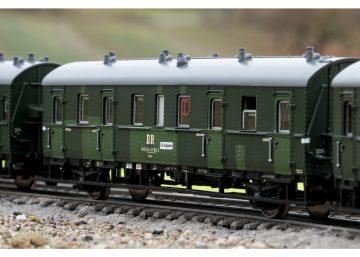 TRIX 23323 <br/>Personenwagen-Set DR 2
