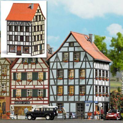 BUSCH 1536 <br/>Altstadt Eckhaus