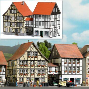 BUSCH 1538 <br/>Häuser mit Übergang 1