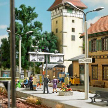 BUSCH 1623 <br/>Bahnhof Ausgestaltungs-Set 1