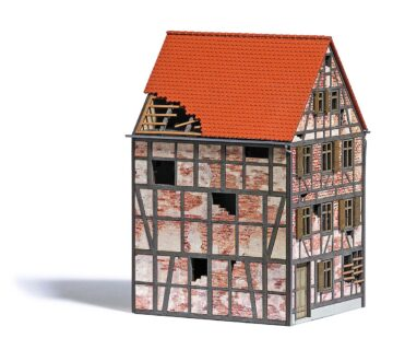 BUSCH 1668 <br/>Verfallenes Stadthaus H0 1