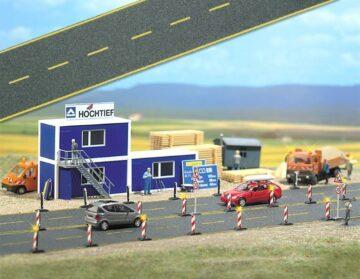 BUSCH 6036 <br/>Asphaltstraße mit gelben Fahrbahnmarkierungen 1