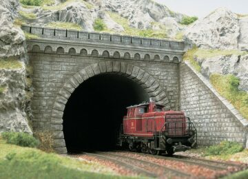 BUSCH 7023 <br/>Tunnel-Portal 1