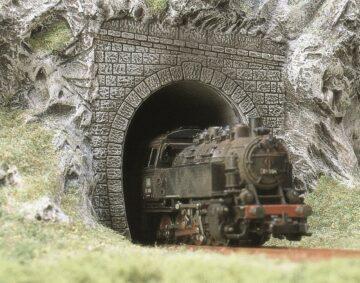 BUSCH 7025 <br/>Dampflok-Portale, 2 Stück 1