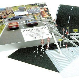 BUSCH 7096 Straßenbau-Set