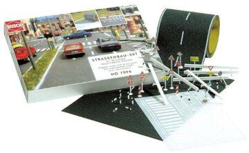 BUSCH 7096 <br/>Straßenbau-Set 1