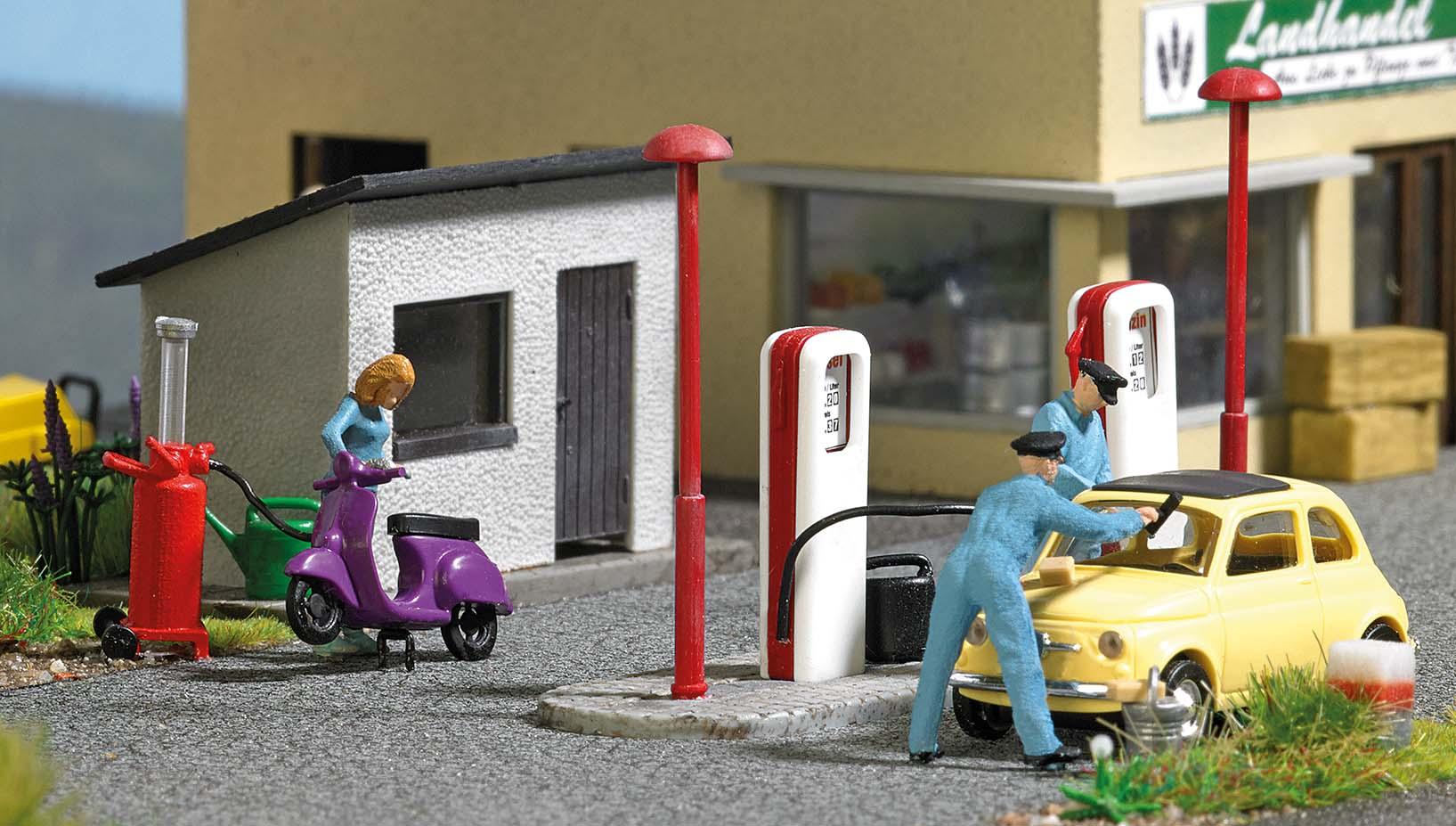 BUSCH 7832 <br/>A-Set: Tankstelle H0