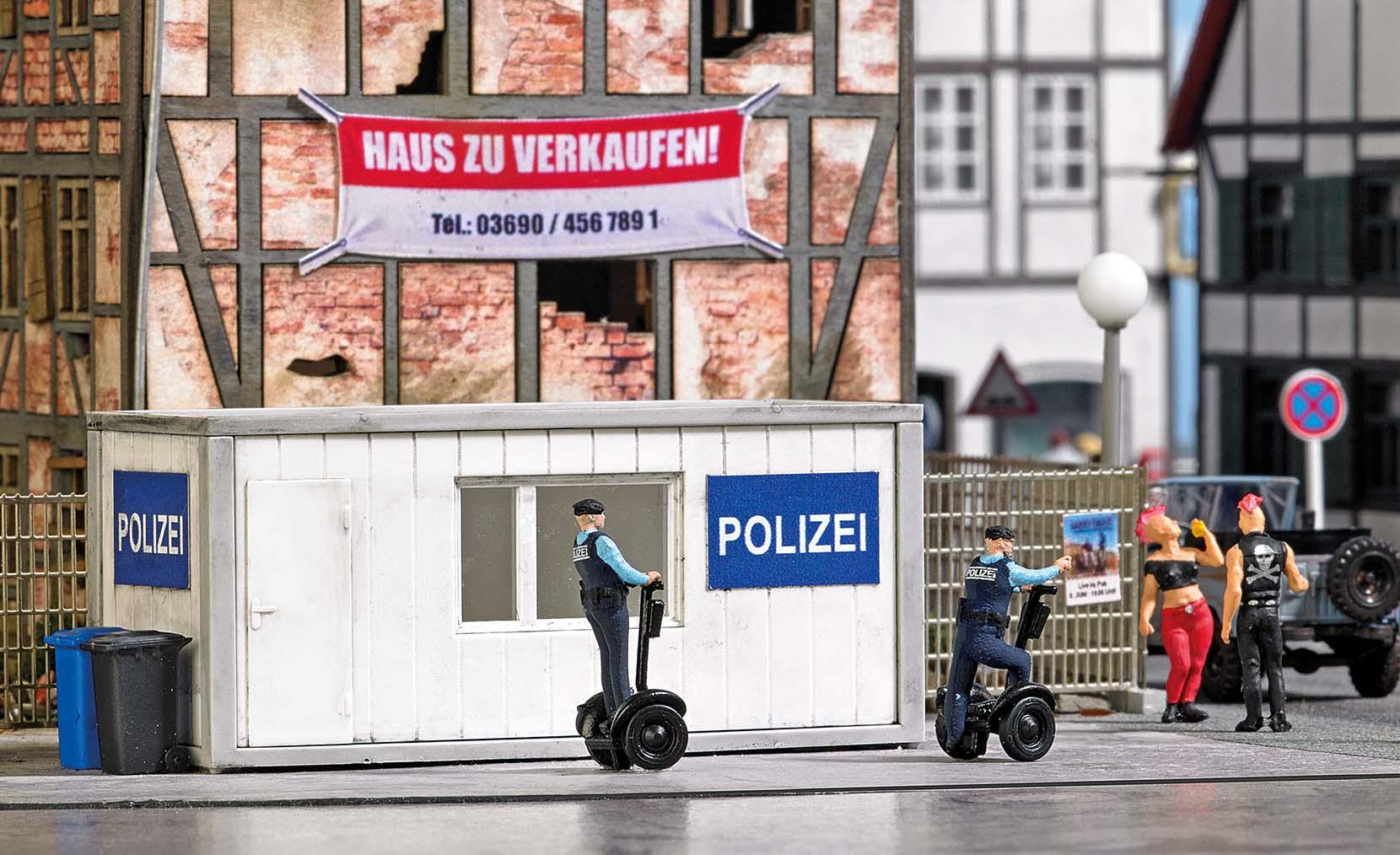 BUSCH 7868 <br/>A-Set: Polizeistation H0