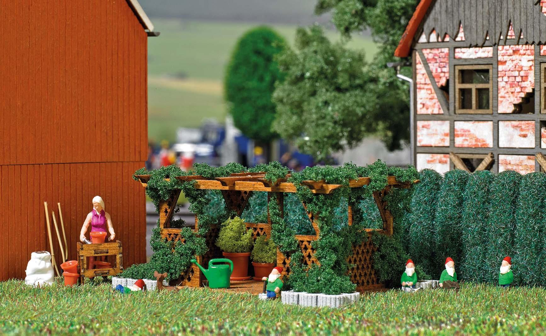 BUSCH 7873 <br/>Im Garten H0 3