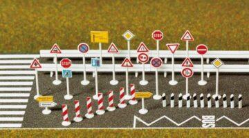 BUSCH 8121 <br/>Verkehrszeichen-Set 1