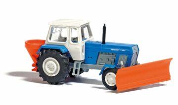 BUSCH 8699 <br/>Traktor mit Schneepflug TT    1