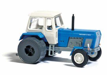 BUSCH 8700 <br/>Traktor mit Eisenrädern TT    1