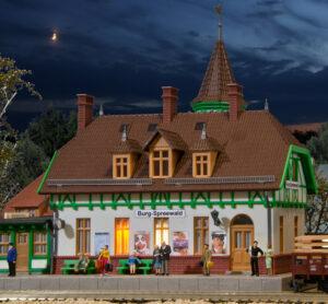 kibri 49509 <br/>Bahnhof Burg Spreew., mit Hausbeleuchtung