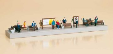 Auhagen 11339 <br/>Bahnsteigausstattung mit Figuren  1
