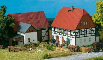 Auhagen 11350 <br/>Kleines Gehöft