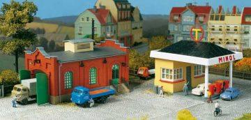 Auhagen 12227 <br/>Tankstelle mit Kfz-Werkstatt  1