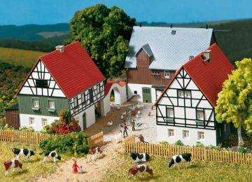 Auhagen 12257 <br/>Bauernhof  1