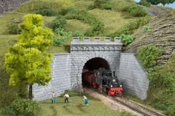 Auhagen 13276 <br/>Tunnel-Portale, 1-gleisig 1