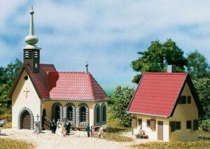 Auhagen 14461 <br/>Dorfkirche mit Pfarrhaus