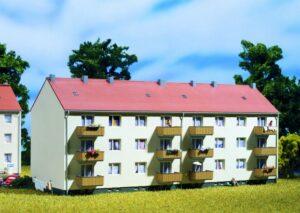 Auhagen 14472 <br/>Mehrfamilienhaus