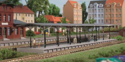 Auhagen 14481 <br/>Bahnsteig