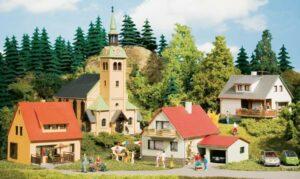 Auhagen 15201 <br/>Startset Dorf Waldkirchen