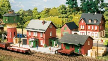 Auhagen 15304 <br/>Set Bahnhof Neschwitz  1