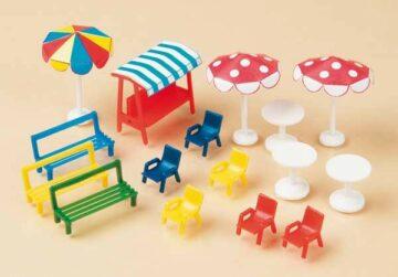 Auhagen 42569 <br/>Bänke, Stühle, Tische, Sonnenschirme  1