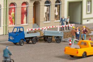 Auhagen 43661 <br/>Multicar M22 mit Anhänger