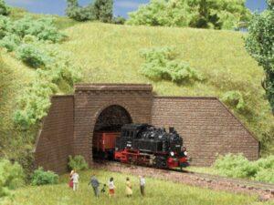 Auhagen 44635 <br/>Tunnel-Portale, 1-gleisig