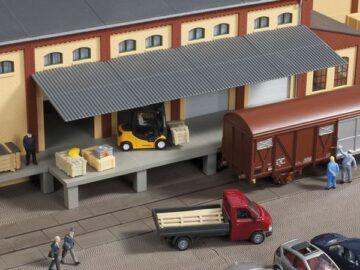Auhagen 80254 <br/>Rampe mit Dach 1