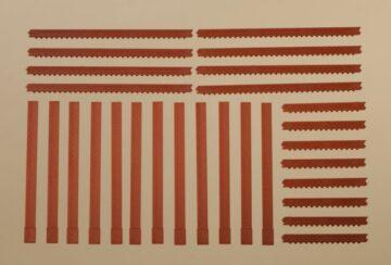 Auhagen 80402 <br/>Säulen und Ziegelfriese rot  1
