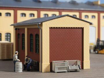 Auhagen 80413 <br/>Giebel klein und Ecksäulen kurz gelb 1