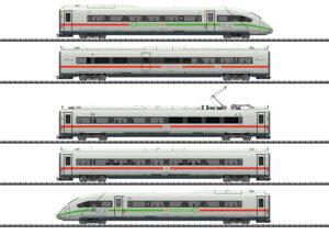 TRIX 25976 <br/>Triebwagenzug ICE 4 Baureihe 412/812 mit grünem Streifen