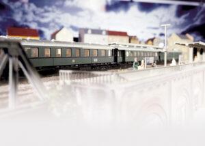 TRIX 15015 <br/>Eilzug-Wagenset