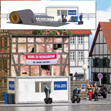 BUSCH 7868 <br/>A-Set: Polizeistation H0 1