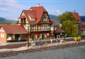 Vollmer 43539 <br/>Bahnsteig Neuffen