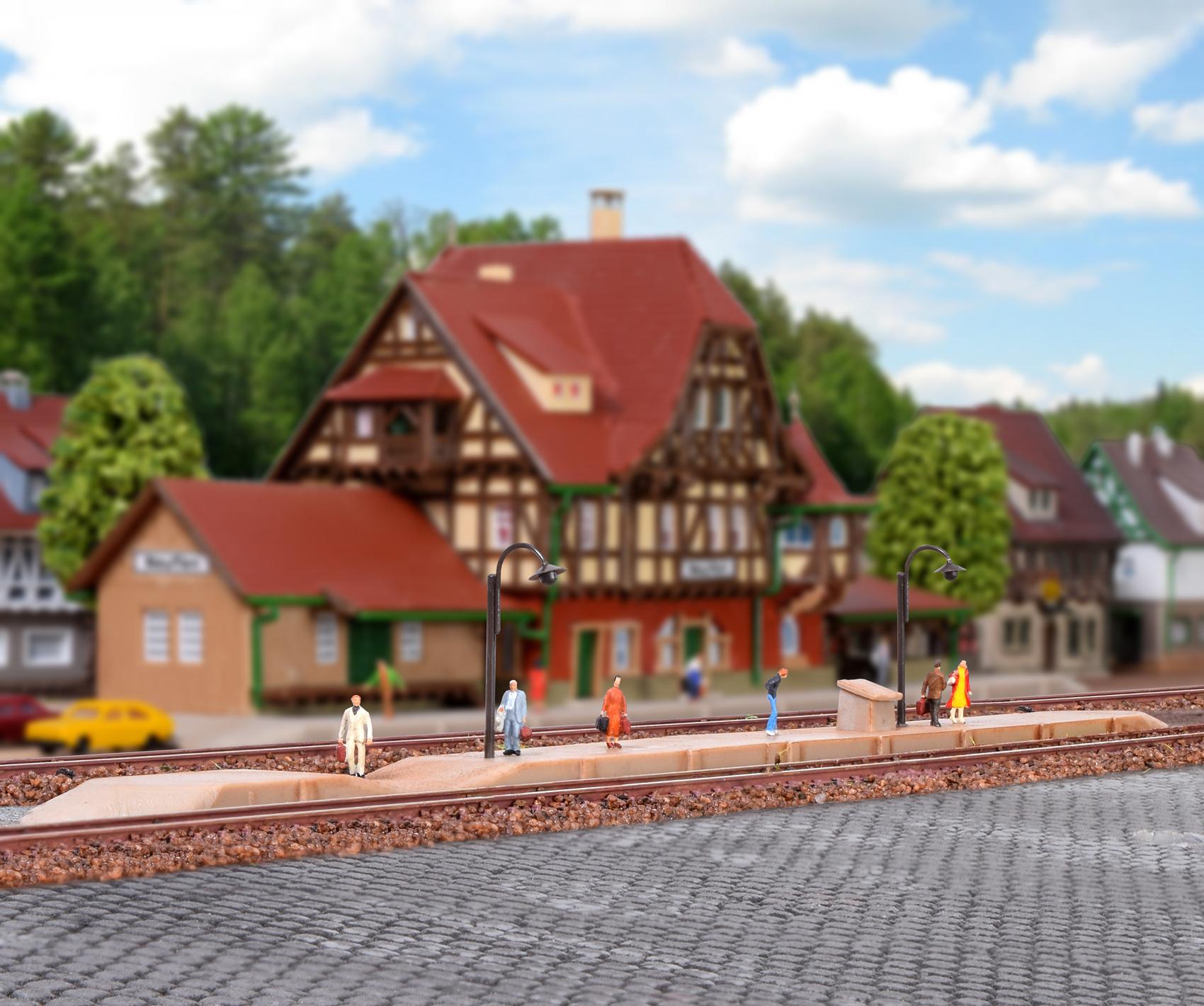 Vollmer 49525 <br/>Bahnsteig Neuffen 1