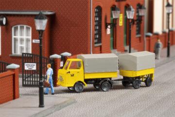 Auhagen 43662 <br/>Multicar M22 Post mit Anhänger 1